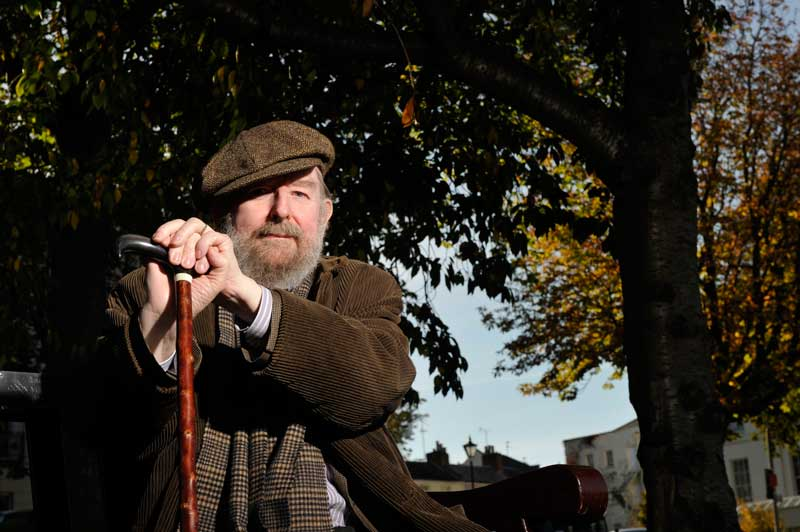 Michael Moorcock, autor da saga The History of the Runestaff | Foto: Joseph Branston